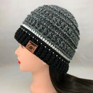 Unisex Adult Black and White Textured Beanie